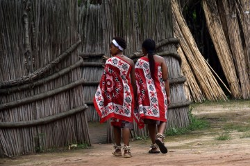 2016 12 South Africa Swaziland 043 traditional wear