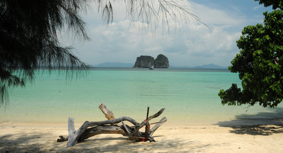 Dream beach at the Koh Mook - Koh Libong - Koh Kradan Islands