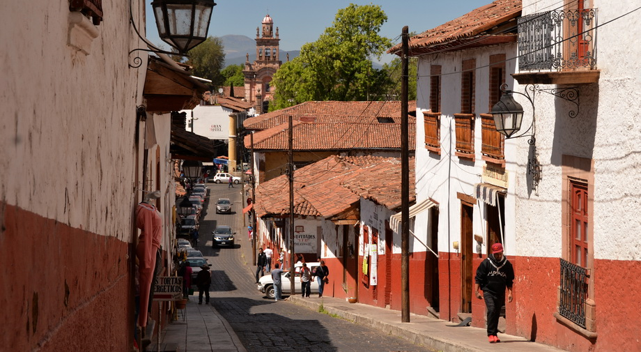 quiet street in Patzcuaro