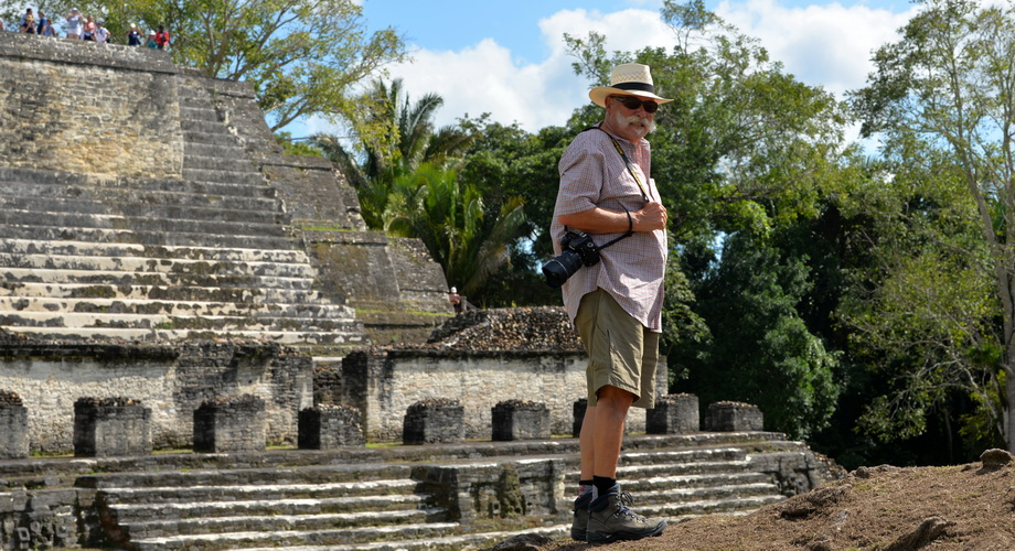 Edy discovers the Altun Ha ruins